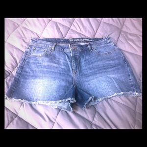 Gap High Rise Jean Shorts Women's Size 16